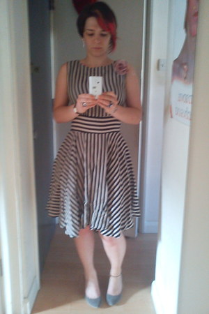 Dorothy Perkins dress - Primark heels - asos earrings