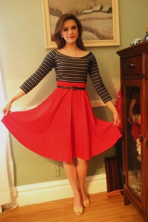 pleats skirt - stiletto pumps - stripes Wet Seal top - sunflowers earrings