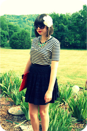black Wilster skirt - white BDG shirt - red vintage purse - blue Australian Stre