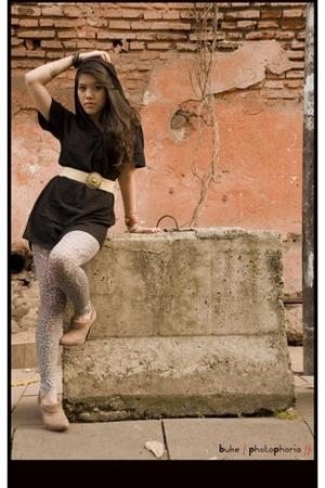 Bali accessories - simple dress - Zara shoes - Zara stockings - forgotten belt