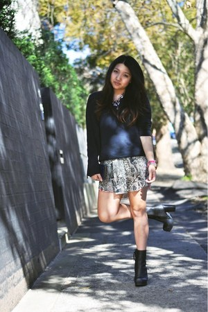 Isabel Marant skirt - black rise acne boots