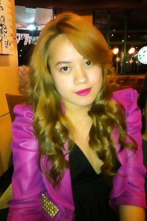 hot pink vantan blazer - black Zara dress