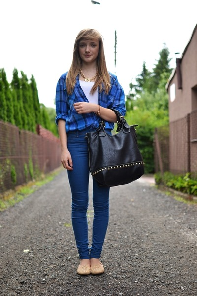 blue Bershka shirt
