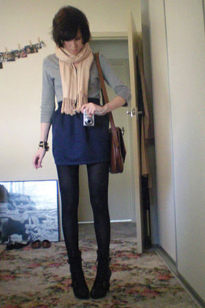 blue high-waisted American Apparel skirt - black Ugly Duckling boots