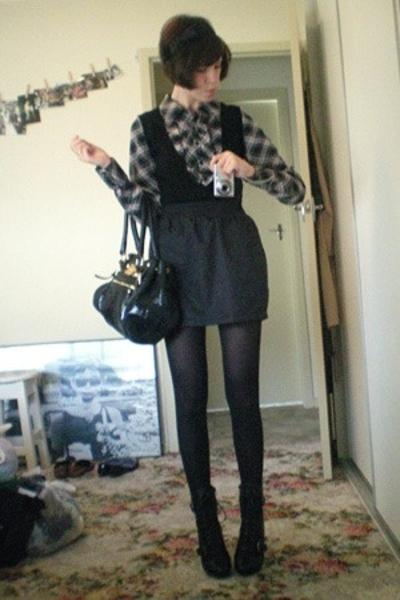 Tokito shirt - American Apparel skirt - Ugly Duckling shoes - D&G purse - diva a
