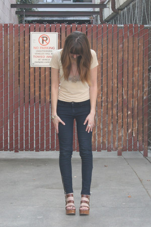 Forever 21 jeans - vintage t-shirt - Gap sandals - thrifted vintage necklace