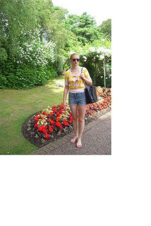 Ray Ban sunglasses - Sonia Rykiel for H&M blouse - Topshop shorts - Rossini purs