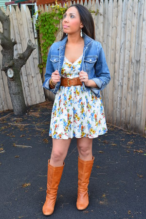 tawny camel colored Bakers boots - white floral Forever 21 dress - blue denim Ga