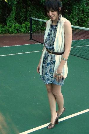 blue martin and osa dress - beige Gap vest - brown Steve Madden shoes