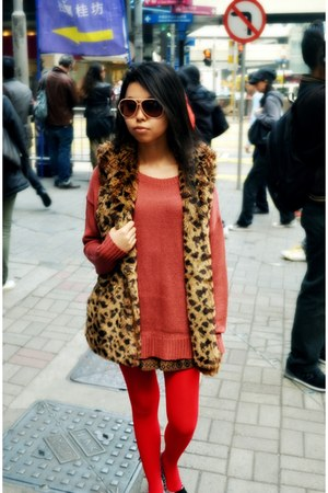 vest - salmon sweater - red Forever 21 tights - brown shorts
