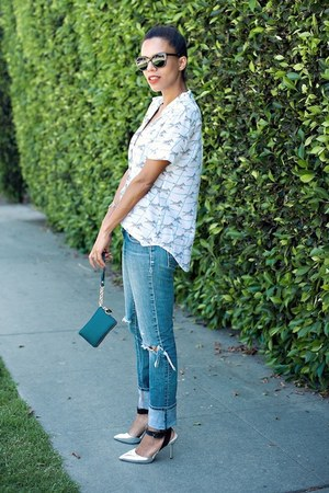 silver shoemint pumps - blue Wrangler jeans - white Equipment blouse