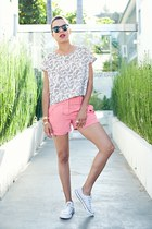 bubble gum aryn k shorts - white Forever 21 blouse - white Converse sneakers