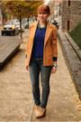Beige-wedge-boots-blue-skinny-levis-jeans-blue-sweater