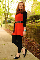 carrot orange tunic American Apparel top - black Target leggings