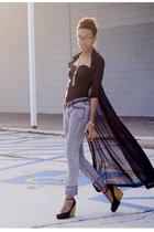 black blouse - black shoes - gray jeans - black H&M shirt