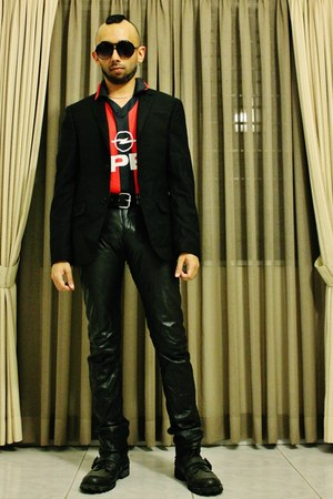 black leather boots - black woolen blazer - red polyester shirt