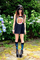 black das boot UNIF shoes - black jersey Santa Cruz shirt