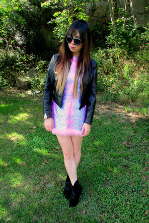 light pink romy some velvet dress - black skate witches some velvet jacket