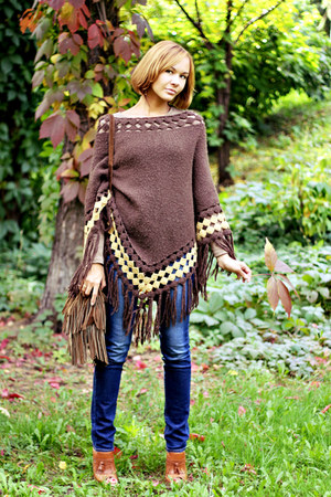 dark brown poncho Mango cape - navy Uniqlo jeans - dark brown fringe Oasis bag