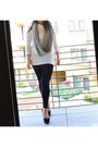 Ivory-ebay-seller-sarastyles-sweater-black-tart-leggings