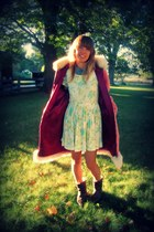 bubble gum vintage coat - dark brown leather vintage boots