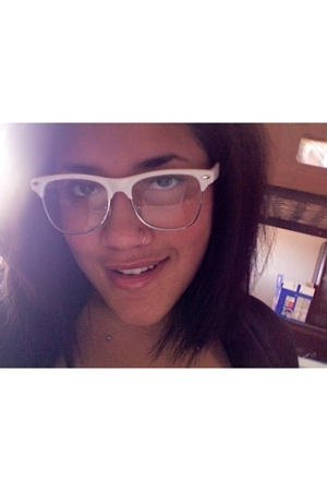 Urban Outfitters glasses - American Apparel accessories - Charlotte Russe bra