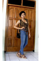 brown Zara top - brown Thrift Store belt - blue Mangga Dua Store jeans - brown T