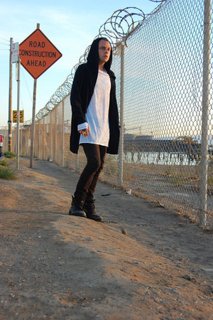 Endovanera sweater - H&M top - Helmut Lang pants - undercover