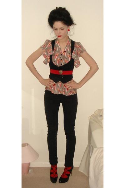 Kurt Geiger shoes - H&M pants - Sara Berman blouse - Newlook vest