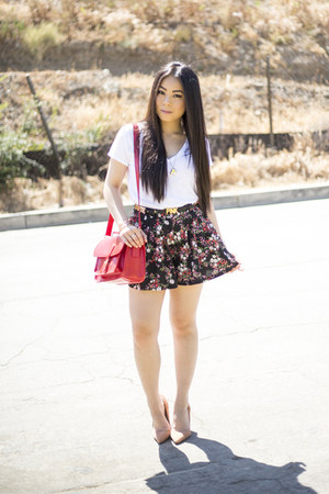 Sole Society bag - black floral Forever 21 shorts - lulu pumps