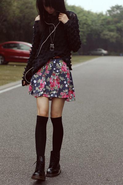 DIY skirt - Dr Martens boots