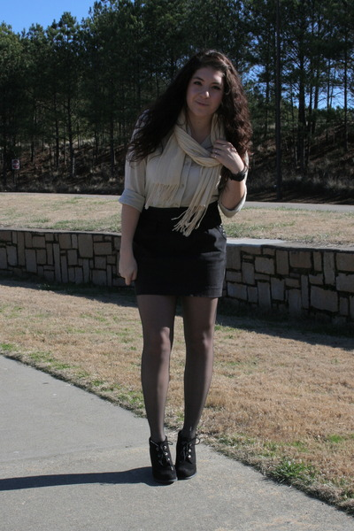 Mia shoes - H&M shirt - Forever 21 scarf - Urban Outfitters skirt