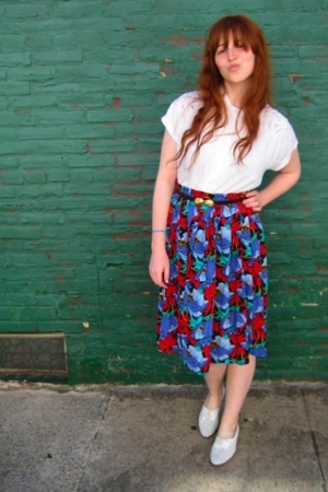 vintage blouse - vintage skirt - vintage belt - vintage shoes