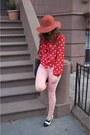 Steve-madden-shoes-salmon-forever21-jeans-burnt-orange-urban-outfitters-hat