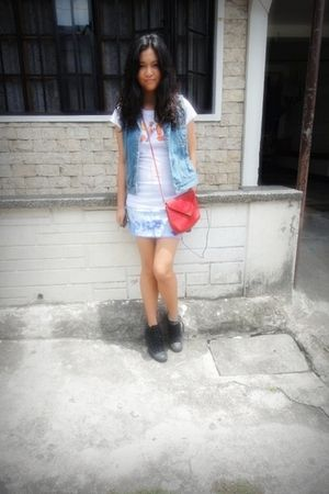People are People shirt - Freeway skirt - thrifted vest - Converse shoes - thrif