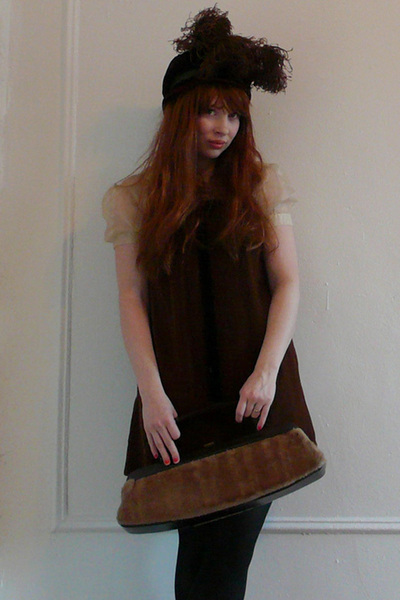 brown vintage hat - brown vintage dress - brown vintage purse - black American A