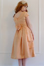 Pink-vintage-dress-beige-accessories-beige-vintage-shoes