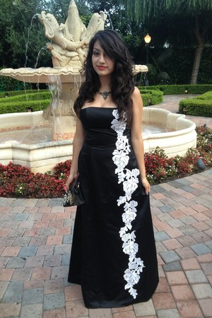 black silk Jessica McClintock dress - black vintage purse