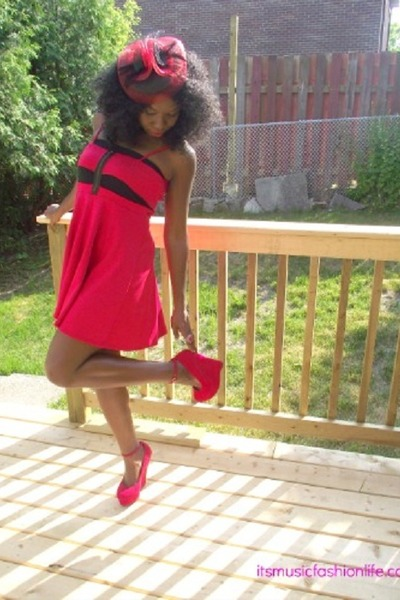 red zipper Sirens dress