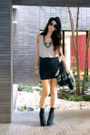 purple Forever 21 top - blue Forever 21 skirt - black Forever 21 shoes - black F