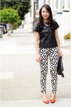 printed H&M pants - clutch baghaus bag - pointed Pour La Victoire wedges