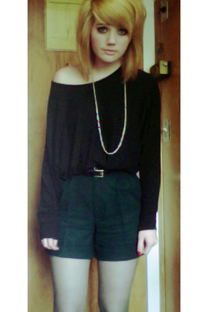 green vintage shorts - black we who see boots - black Silence  Noise top