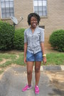 Teal-macys-shirt-blue-denim-old-navy-shorts-yellow-neon-macys-watch