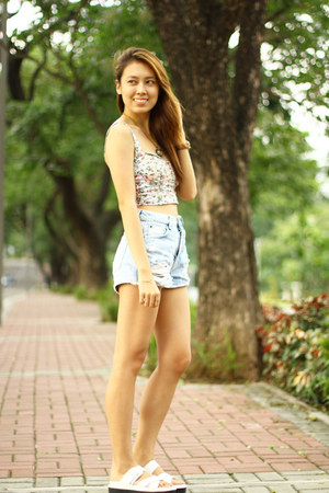 denim Pull & Bear shorts - floral Pull & Bear top - white Charles & Keith flats