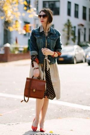 brown coach bag - tan banana republic dress - navy printed Schrader Sport dress