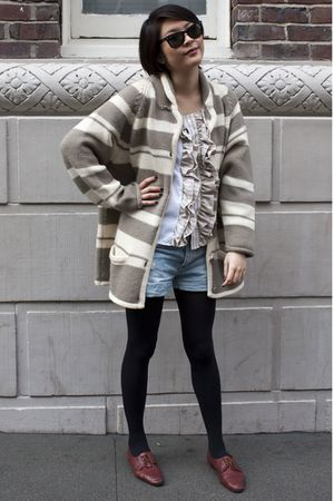 cardigan - H&M shorts - Urban Renewal blouse