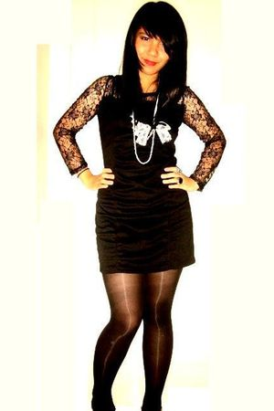 black Posh Overload dress - black tights