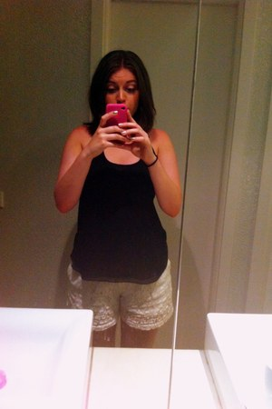 white crochet Byoung shorts - black chiffon Topshop vest