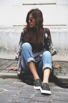 black Chanel bag - blue Levis jeans - black asos vest