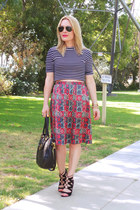 black cropped Topshop top - red floral print Marc by Marc Jacobs skirt